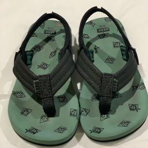 Kids Reef Flip-Flops size 9/10